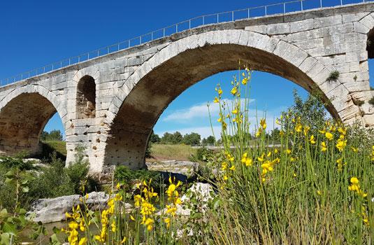 Pont Julien @ Gillet V.