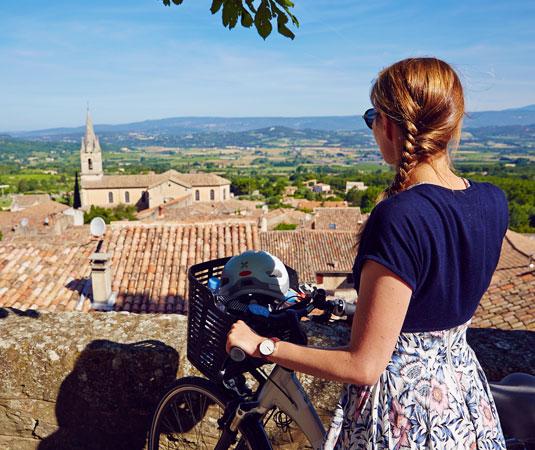 Vélo dans les villages du Vaucluse @ Coquard M.