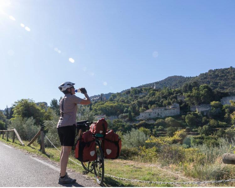 En itinérance : le tour de Gordes à vélo